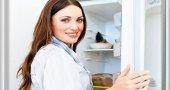 Как избавиться от неприятного запаха в холодильнике? Как его убрать?