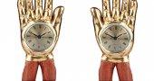 На какой руке правильно носить часы?